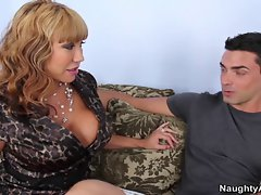 Ava Devine gets slammed by her son&amp,#039,s good friend