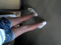 Sexy Teen at the Mall candid