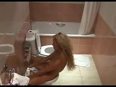 Hidden Camara Beauty Bath Masturbation