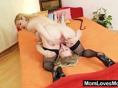 Amateur moms toy each other's cunts