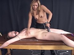 Bondage slut get tortured by her master