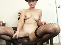 Hot amateur babe loves dildo toy fucking