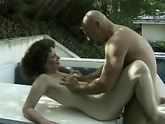 Angela Cee is this hot mature mama who loves getting it dirty...