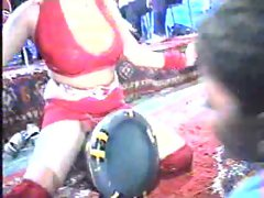 ARAB SEXY DANCE (LOOK AT THE PUSSY)