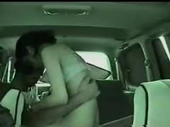 AmateuR ARAB COUPLE FUCK in CAR - NV