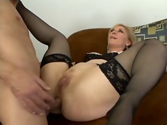 milf sucks and gets fucked