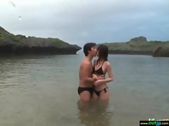 Hot Asian Girl Get Hard Bang In Wild Place vid-12