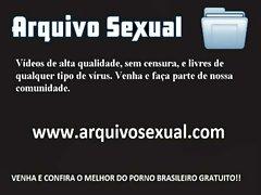 Putinha com tes&atilde_o dando trabalho 1 - www.arquivosexual.com