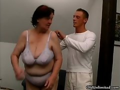 Chubby old housewife gets fucked