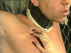 JuliaReaves-DirtyMovie - Ohne Erbarmen - scene 2 - video 2 brunette girls fingering beautiful boobs