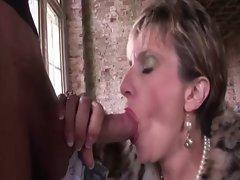 Horny mature slut fucks