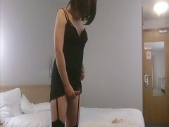 Shemale Emma Lee in stockings screws her bum with a rubber toy
