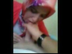 Pleas cum in my mouth -Arab Lady