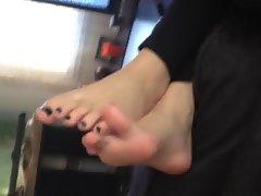 new vid sister feet !!!