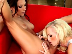 Celeste Star and Lux Kassidy eating clit