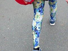 Leggings-Girl - Walking in my new older Legging