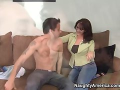 cougar Sandy Beach offers her muff to athletic hung stud